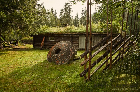 Kvernstein og Kvernfjellstoggo, Kalvåa. Selbu bygdemuseum. Sør-Trøndelag.
